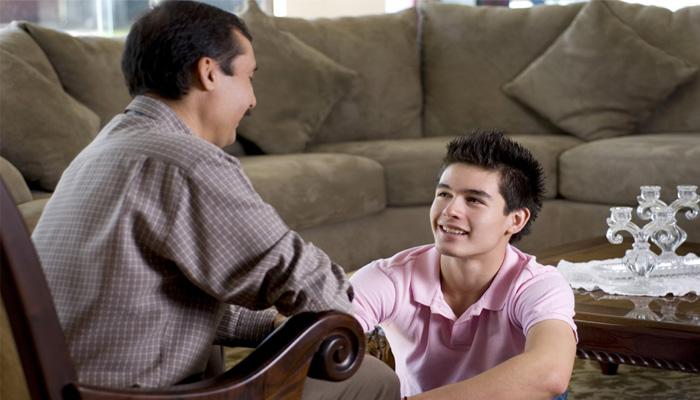 पेरेंटिंग टिप्स: एक आदर्श पिता बनने के लिए आपके अंदर होनी चाहिए ये खूबियाँ